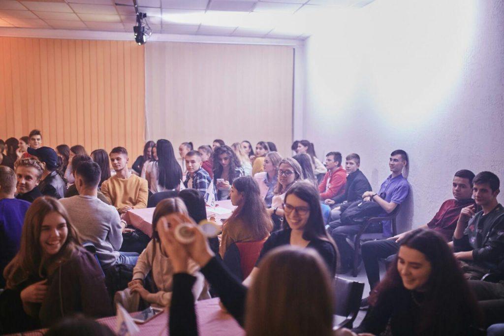 В феврале-марте планируется открытие подростковых клубов в 4 городах Украины!